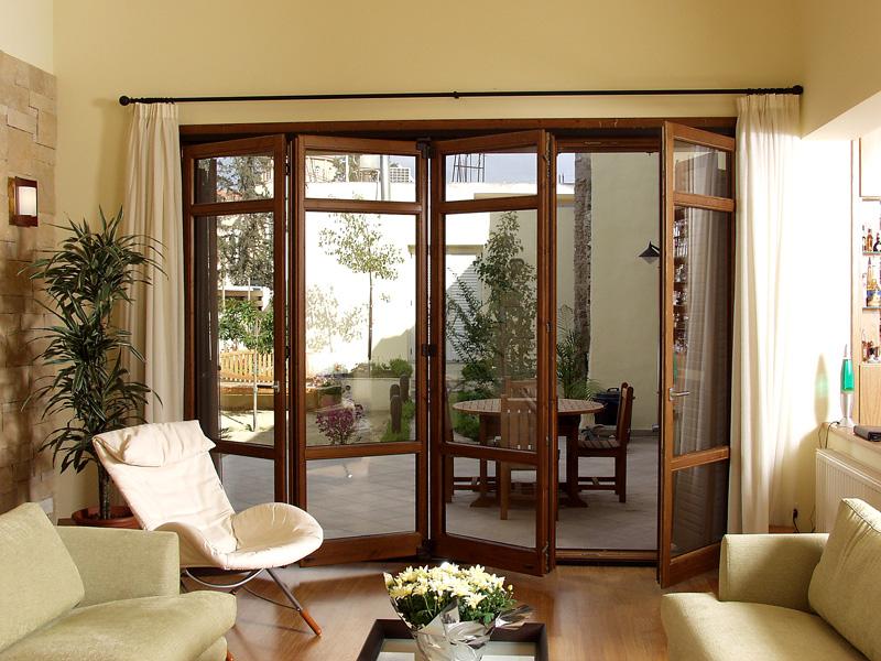 Balcony Folding Doors 800 x 600