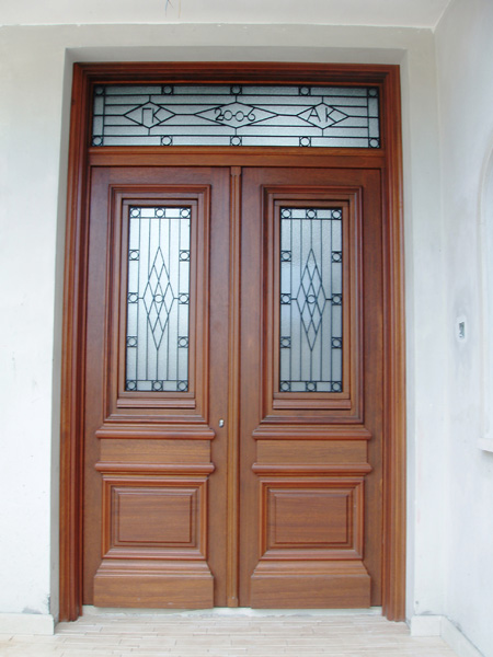 Massif main entrance doors for Sliding main door